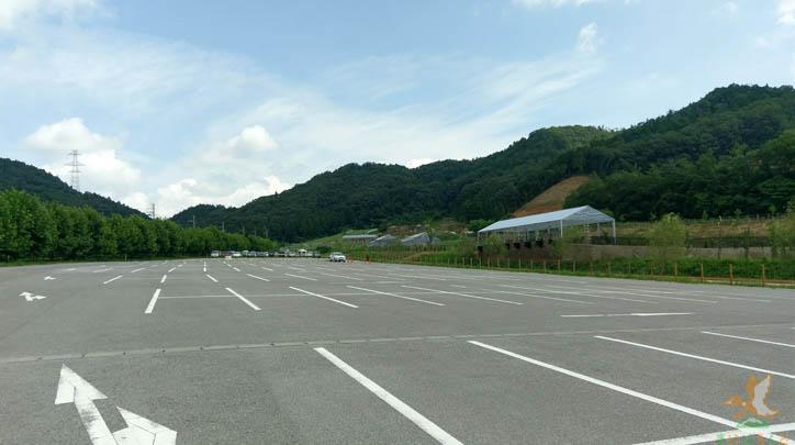 ローザンベリー多和田の駐車場