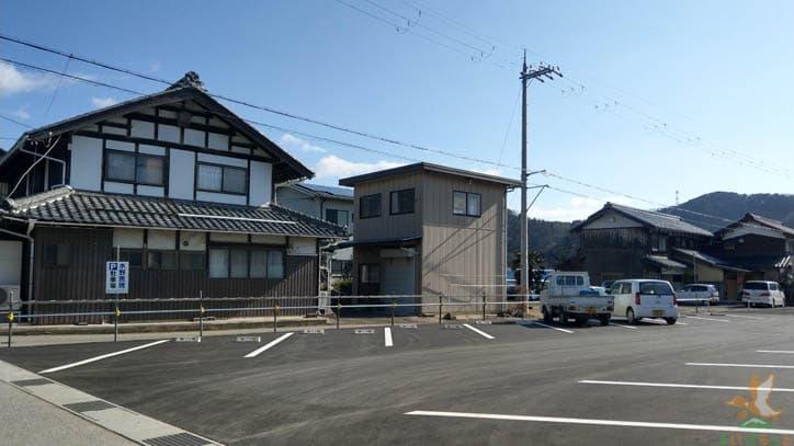 水野医院駐車場